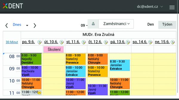 Kalendář XDentu je přehledný a jednoduchý