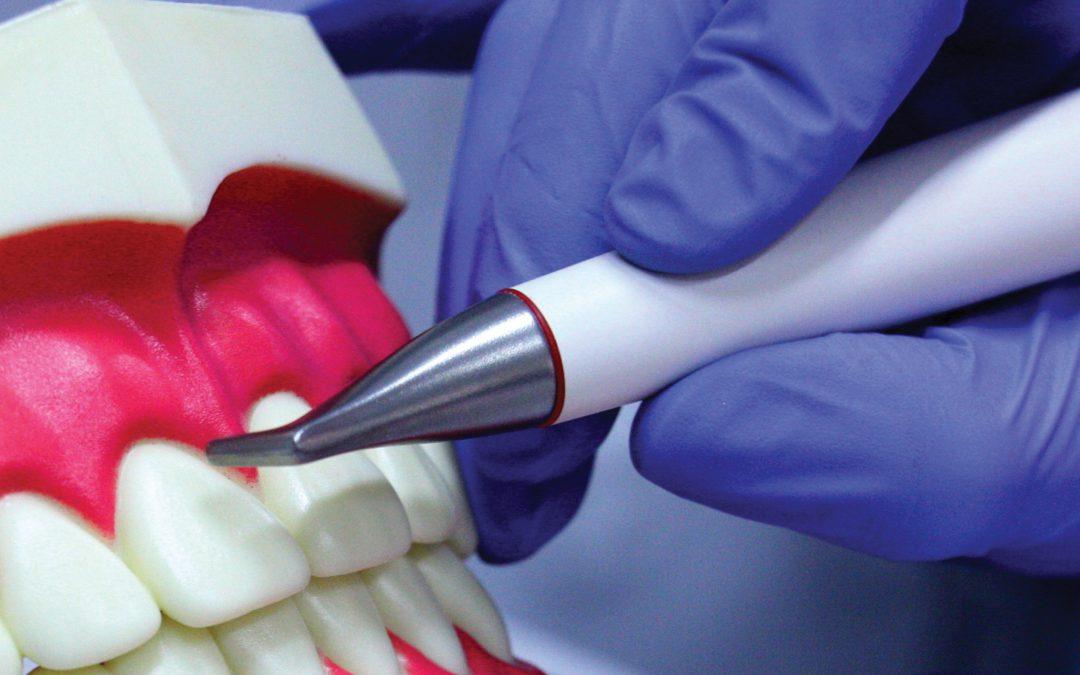 Profesionální čištění a leštění zubů metodou AIR-FLOW®