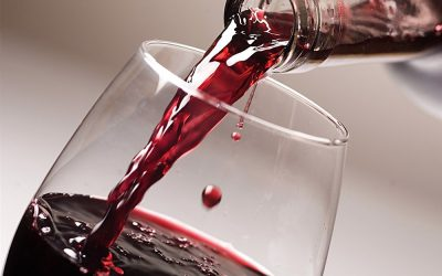 Červené víno jako ochrana před zubním kazem